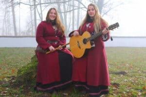 Die Zwillingsschwestern Tini und Judith als PurPur
